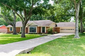 11 roseland drive, baytown, TX 77520