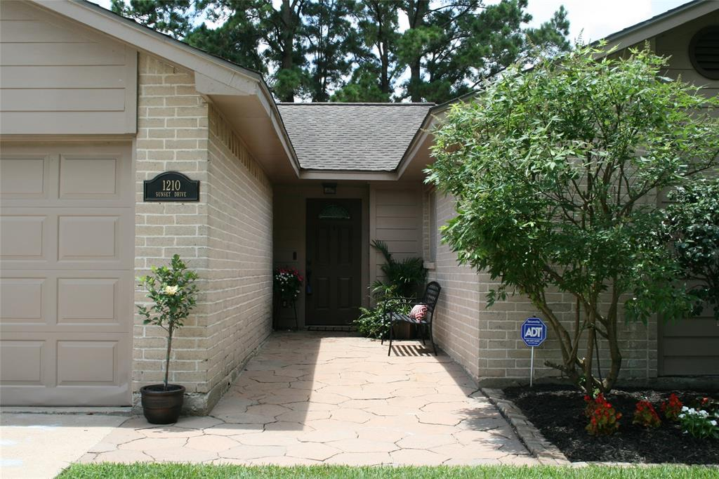 New Patio Homes In Friendswood Texas
