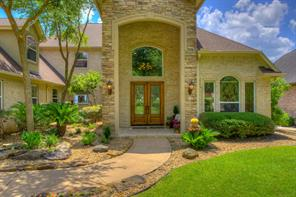 Spectacular Stone and Brick entry