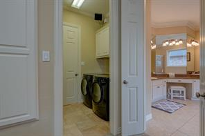 This 2nd set of Washers & Dryers is located on the 2nd floor -- no need to travel up & down stairs with your laundry!