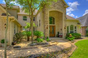 Attractive landscaping welcomes your guests to your lakefront home