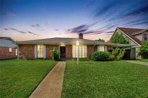 9215 sharpcrest street, houston, TX 77036