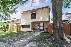 4809 pebble brook street, baytown, TX 77521
