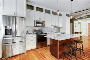 Houston Home at 917 Main Street 607 Houston , TX , 77002-6428 For Sale