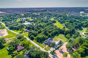 Wide open spaces make this the perfect street, surrounded by master planned communities and zoned to award winning Katy ISD schools.  Plenty of shopping and dining choices with easy access to I-10.