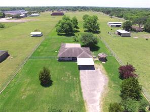 8707 thompson road, highlands, TX 77562