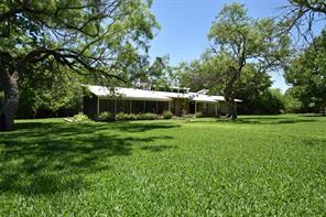27 tanglewood street, uvalde, TX 78801