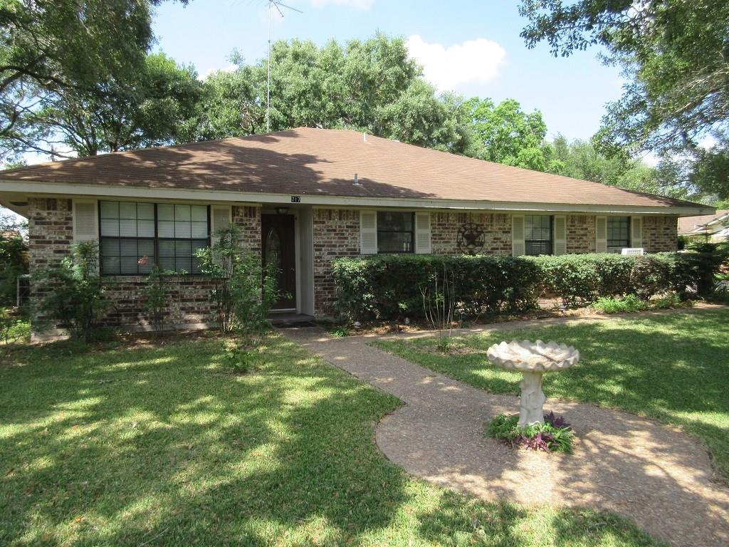 717 Partridge Lane, Eagle Lake, TX 77434