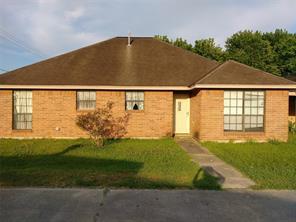 2624 broad street, baytown, TX 77521