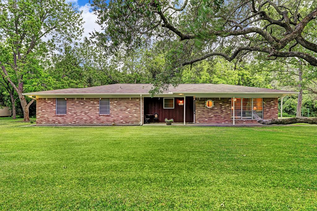 13803 6th Street, Santa Fe, TX 77517