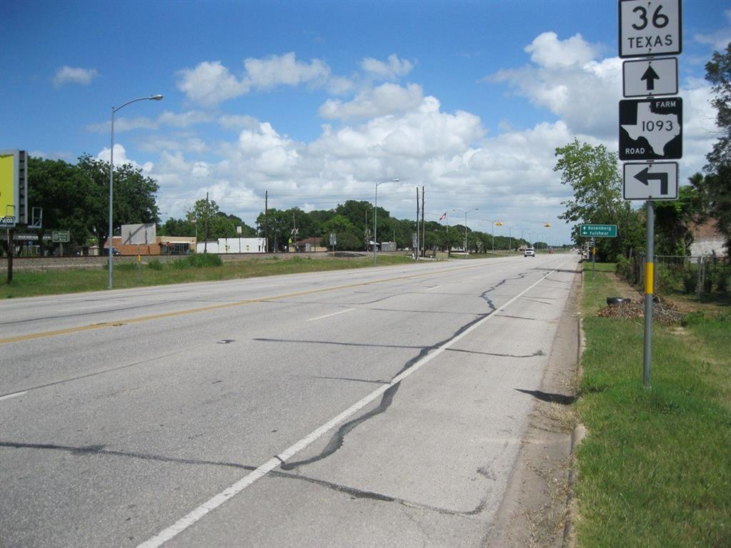 11437 Highway 36, Wallis, TX 77485