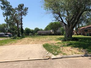 3401 coachlight lane, baytown, TX 77521