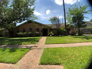 386 Connaught, Houston TX 77015