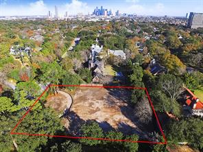 Red-Lined Approximate Borders of 3001 Inwood Drive in River Oaks showing the proximity to Downtown Houston. The lot has been cleared and ready for new construction. Seller has architectural plans designed by Robert Dame that can be conveyed with the property. The plans have already been permitted by the city.