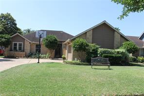 613 bradshire court, deer park, TX 77536