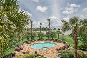 Welcome home to your own slice of paradise on Lake Conroe ..... simply gorgeous!