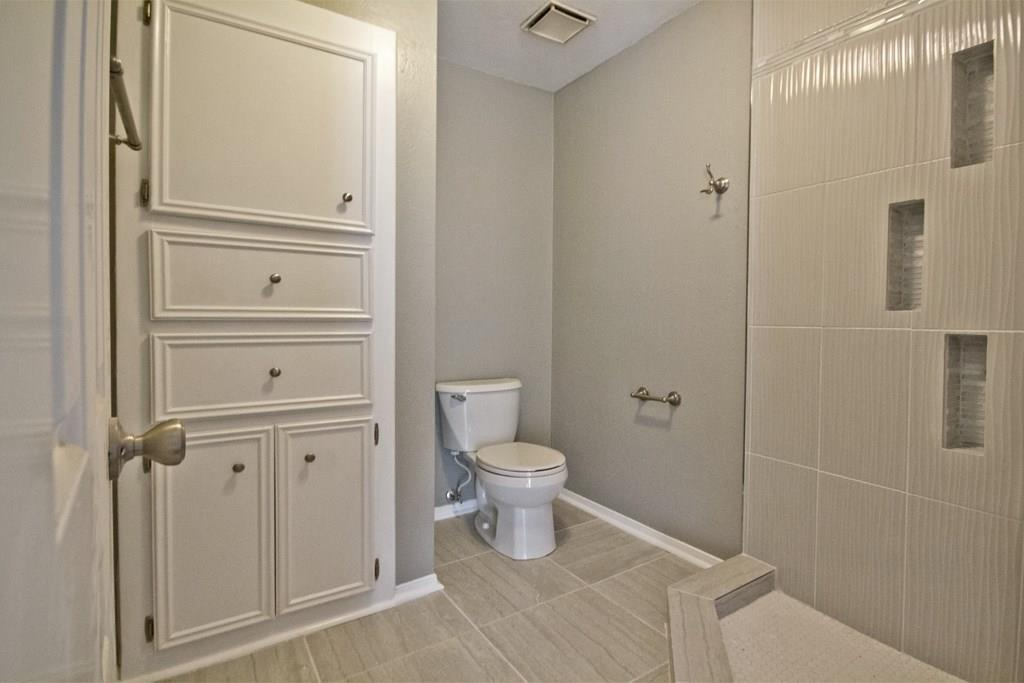 Second bedroom upstairs with it's own en suite bathroom