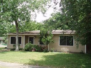 1022 w snyder street, alvin, TX 77511