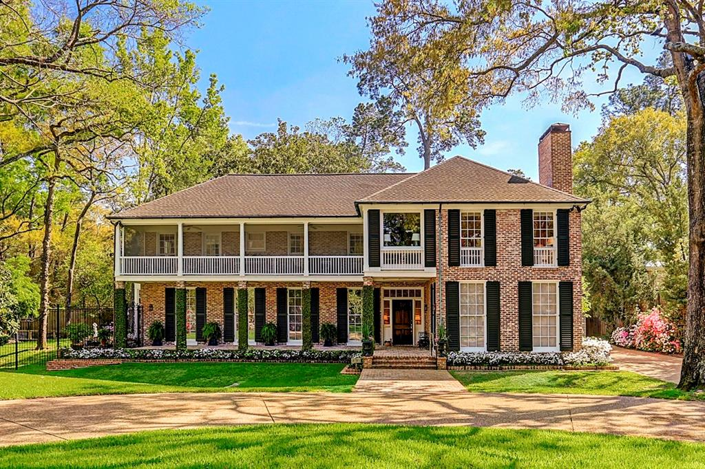 Beautiful front elevation of 5135 Green Tree Rd designed by renowned architect John Staub.