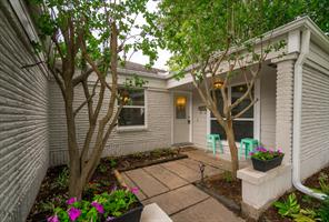 6014 golden forest drive, houston, TX 77092