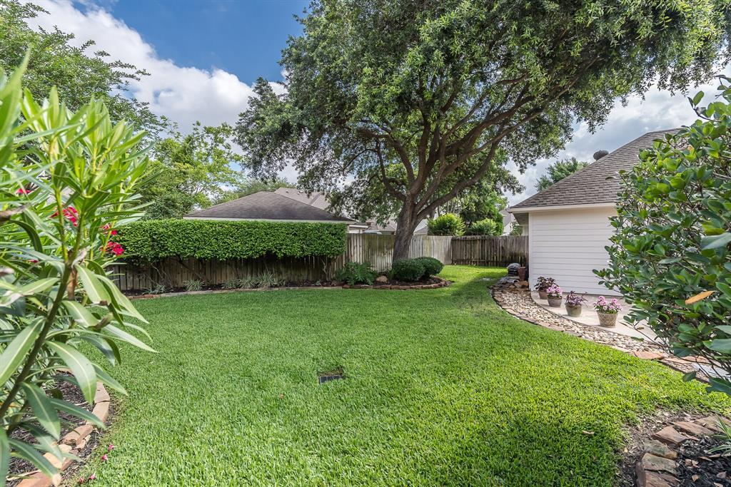 8707 Throckmorton Houston 77064
