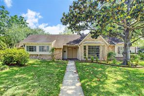 8527 de moss drive, houston, TX 77036