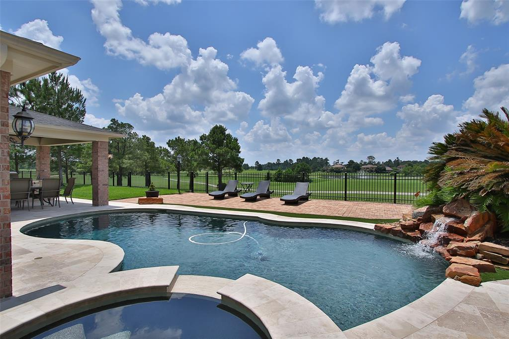 1722 Redstone Manor Drive, Spring, TX 77379