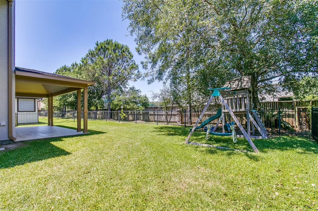 1612 Garden Lakes Drive, Friendswood, TX, 77546 | Greenwood King ...