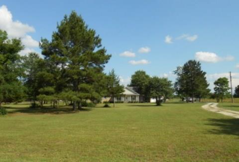 1028 Meadowview Crockett 75835