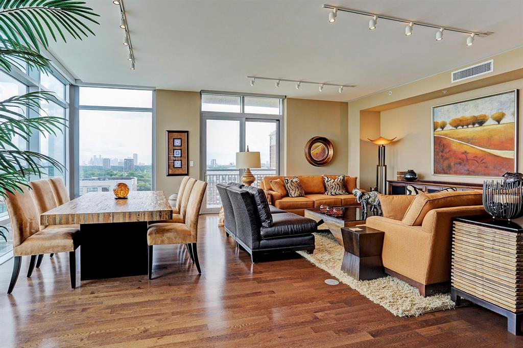 Interior View of property in Highland Tower, Houston, Texas