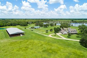 618 county road 32 n, angleton, TX 77515