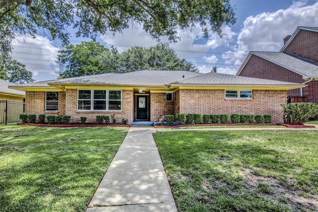 10709 Greenwillow Houston 77035