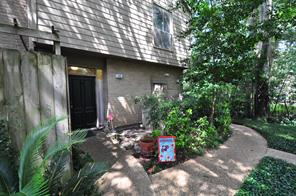 2100 Tanglewilde, Houston TX 77063
