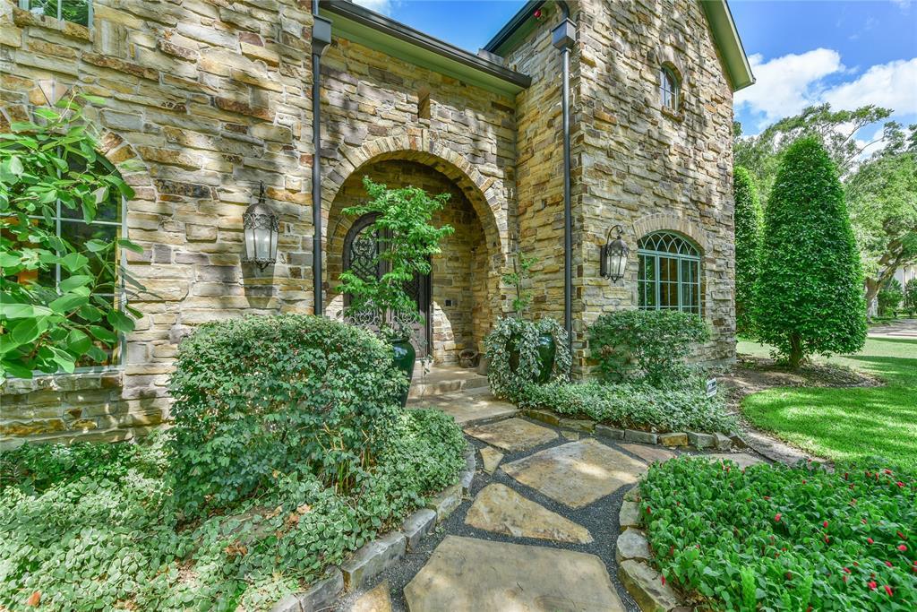 1602 Huge Oaks Street, Houston, TX 77055