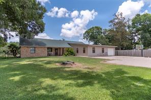 1214 county road 344, sweeny, TX 77480