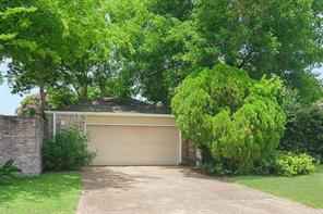 16110 Ridgegreen Drive, Houston, TX 77082
