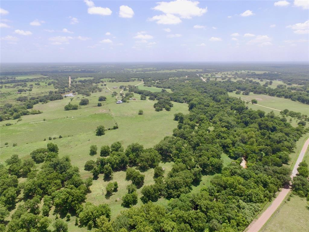 000 County Road 1, Hallettsville, TX 77964
