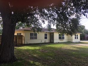354 8th street s, blessing, TX 77419