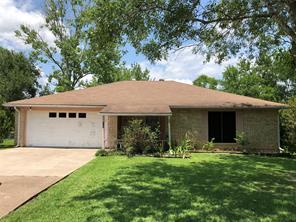 105 Leigh Anne Street, Huntsville, TX 77320