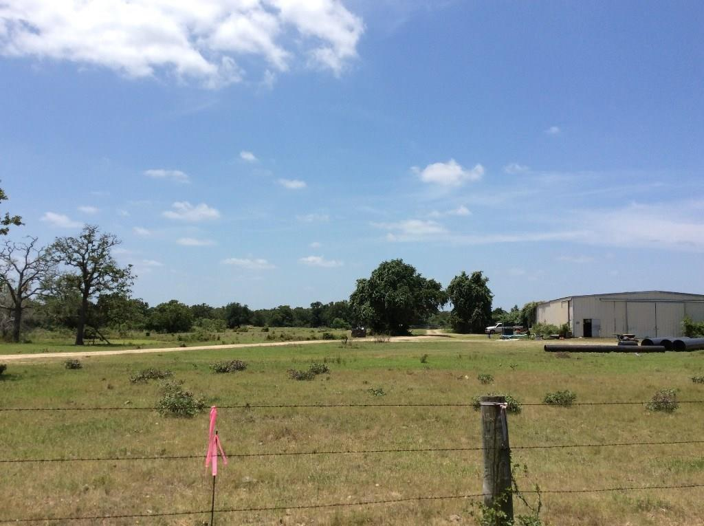 1127 Private Road 1802, Giddings, TX 78942
