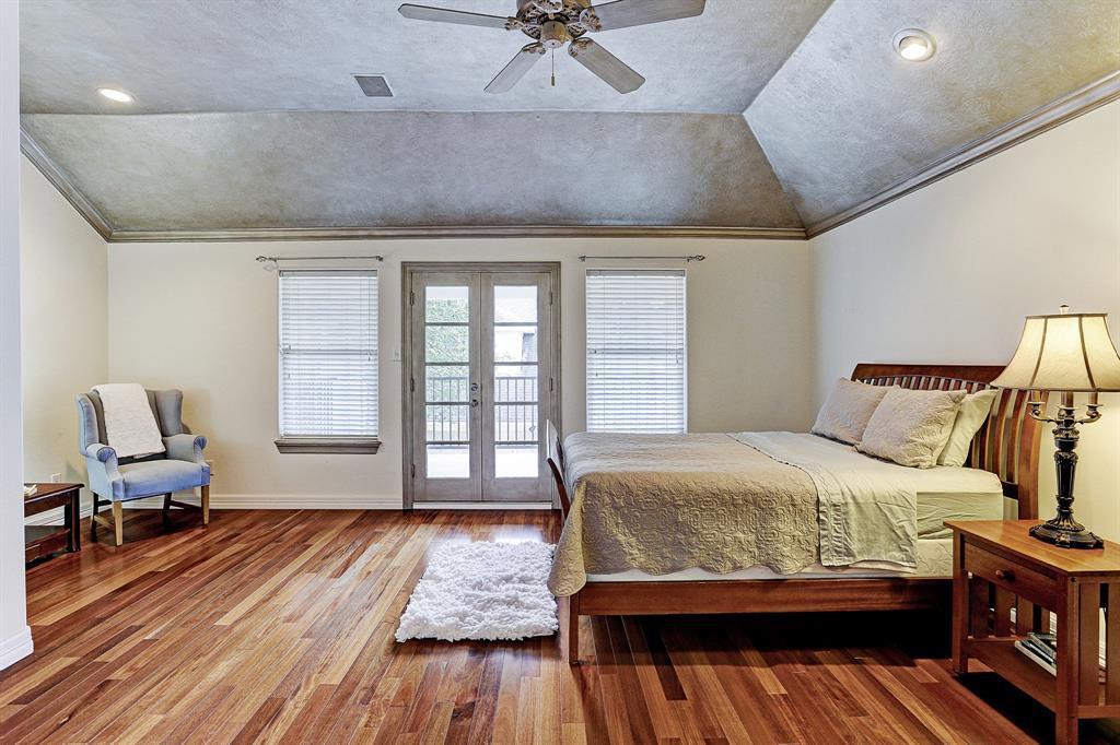 1135 Bayou Island Houston 77063