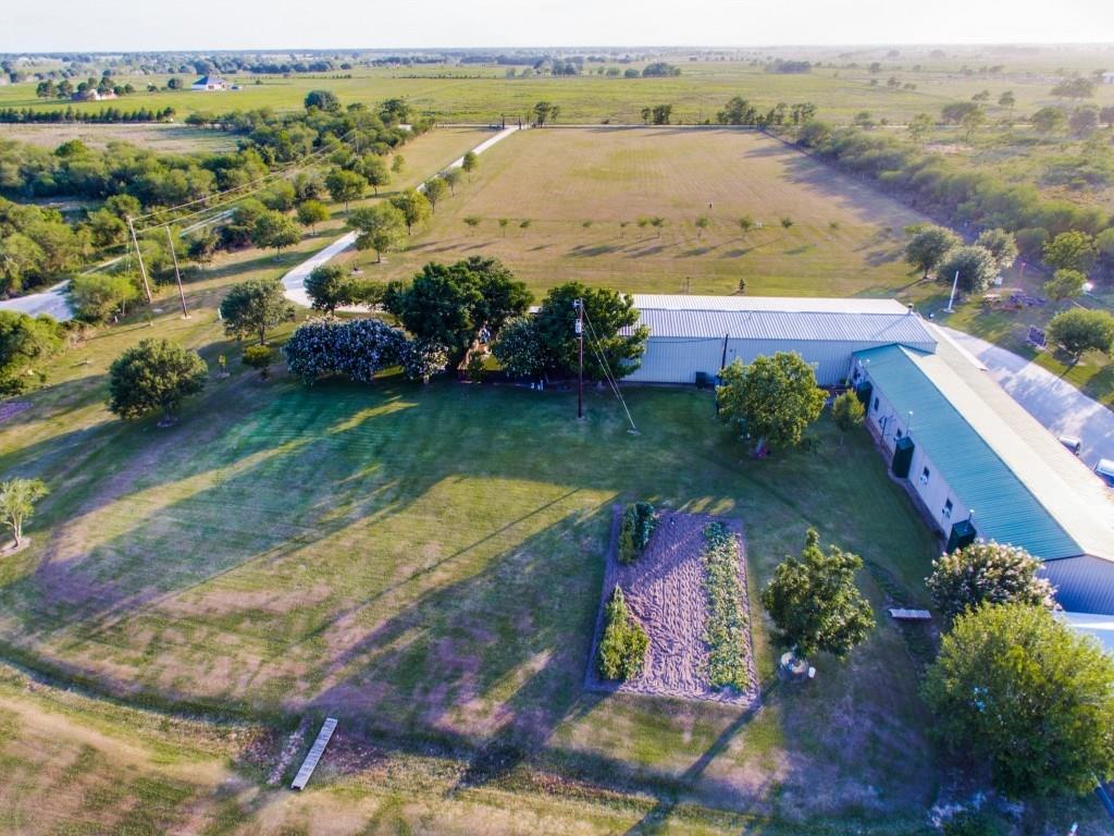 2908 County Road 469, El Campo, TX 77437