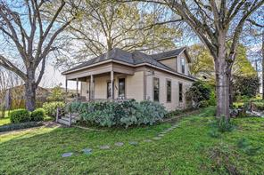 100 east chauncy street, brenham, TX 77833