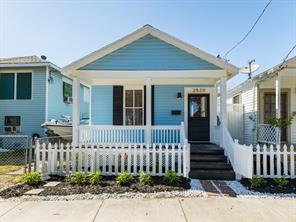 Houston Home at 2520 Avenue L Galveston , TX , 77550-4552 For Sale
