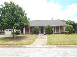 2105 french place, baytown, TX 77520