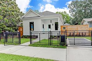 Houston Home at 806 Columbia Street Houston , TX , 77007-1637 For Sale