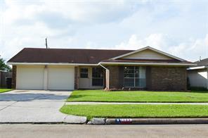1023 shawnee street, houston, TX 77034
