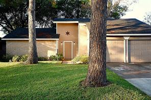 Houston Home at 16414 Forest Bend Avenue Friendswood , TX , 77546-3320 For Sale