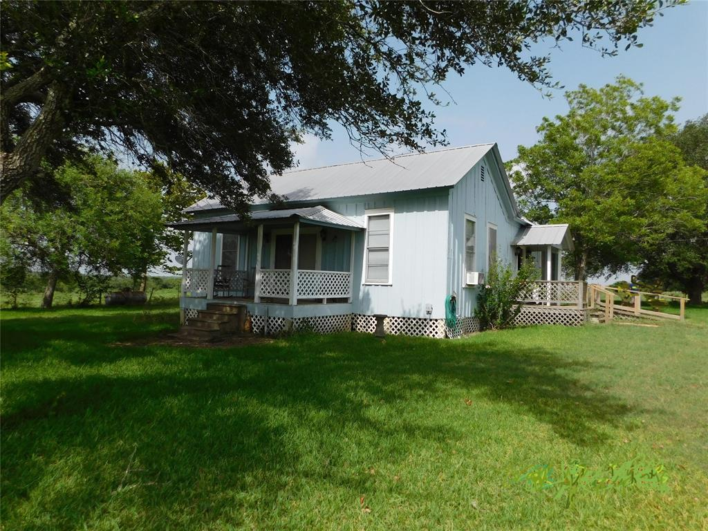 336 CR 314, Shiner, TX 77984