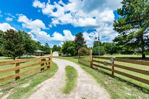 307 County Road 2192, Cleveland TX 77327